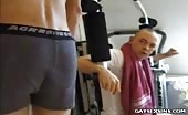 Bientôt du sexe anal en salle de muscu