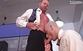 C'est plus hardcore de faire le sexe anal au bureau